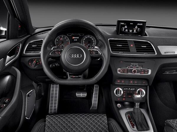 2014-audi-rs-q3-interior-detail-new-600-001