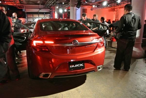 2014-buick-regal-5-600-001