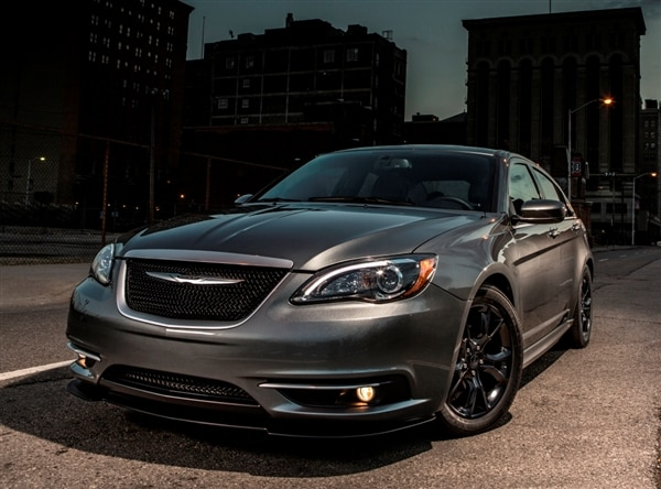 2013.5-chrysler-200-s-special-edition-600-001