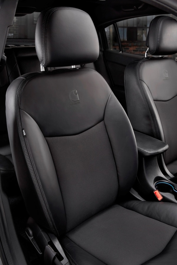 2013.5-chrysler-200s-special-edition-seat-detail-600-001