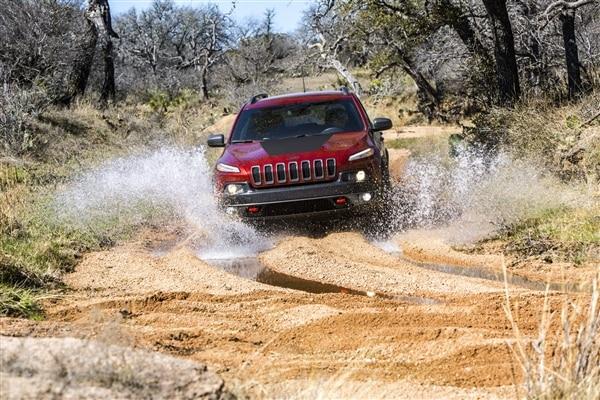 Revealed: 2014 Jeep Cherokee - New York 2013 52