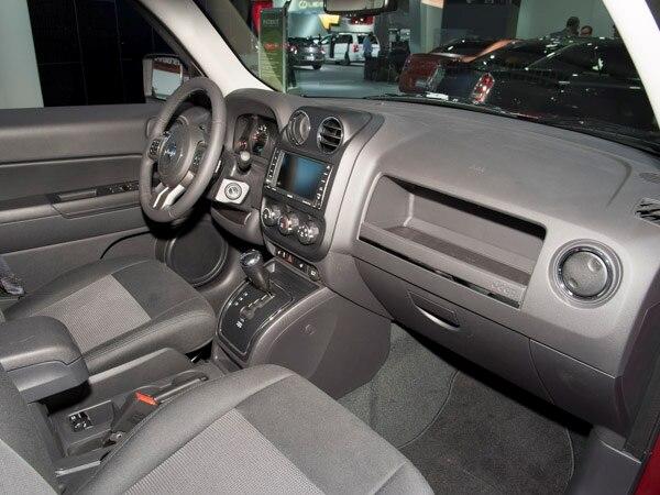 revealed 2014 jeep patriot detroit 2013 kelley blue book. Black Bedroom Furniture Sets. Home Design Ideas