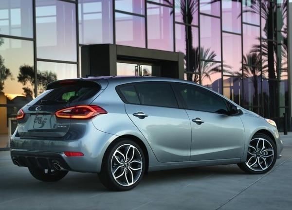 2014-kia-forte-5-door-rear-static-600-001