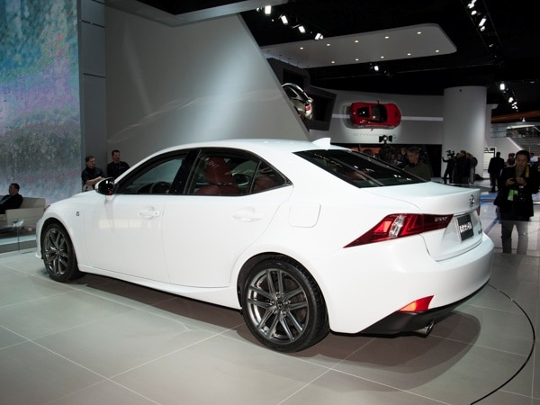 2014-lexus-is-(1)-600-001