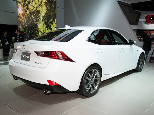 2014-lexus-is-(3)-600-001