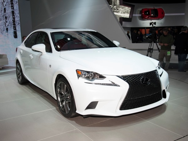 2014-lexus-is-600-001