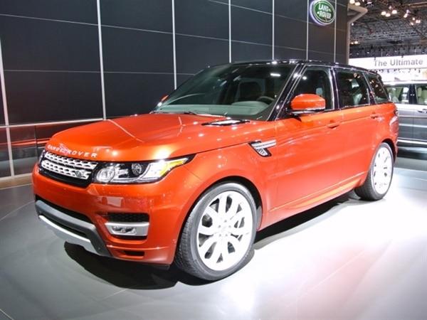 Revealed: 2014 Land Rover Range Rover Sport - New York 2013 13