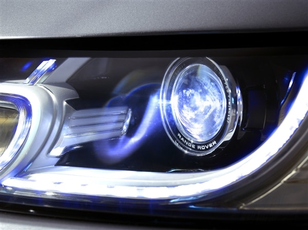 Revealed: 2014 Land Rover Range Rover Sport - New York 2013 33