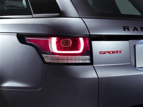 Revealed: 2014 Land Rover Range Rover Sport - New York 2013 42