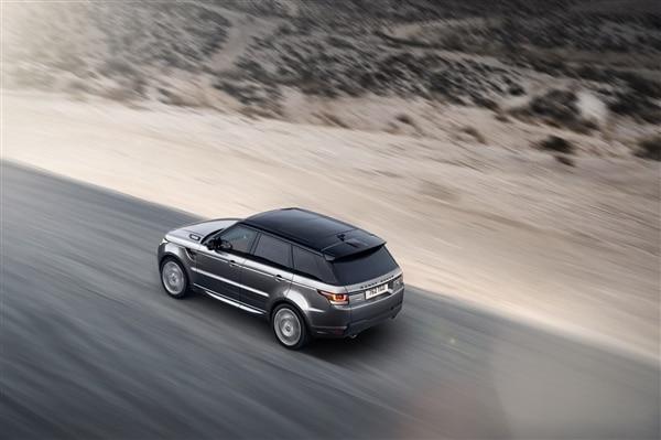 Revealed: 2014 Land Rover Range Rover Sport - New York 2013 45