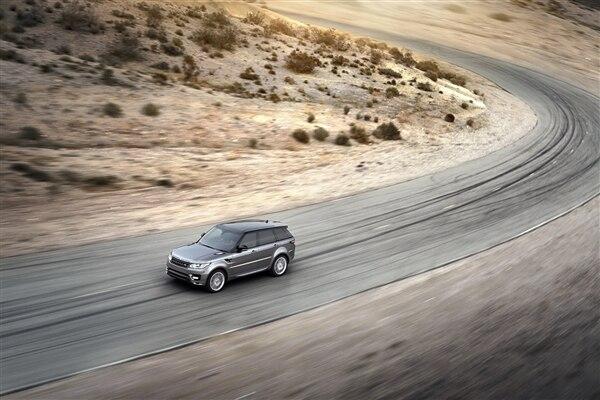 Revealed: 2014 Land Rover Range Rover Sport - New York 2013 50