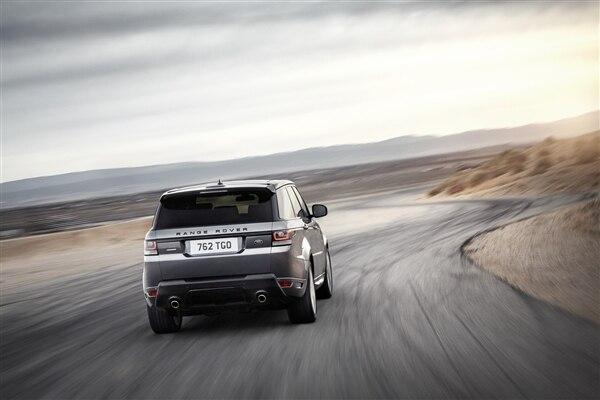 Revealed: 2014 Land Rover Range Rover Sport - New York 2013 52