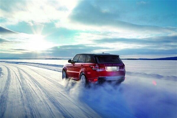 Revealed: 2014 Land Rover Range Rover Sport - New York 2013 58