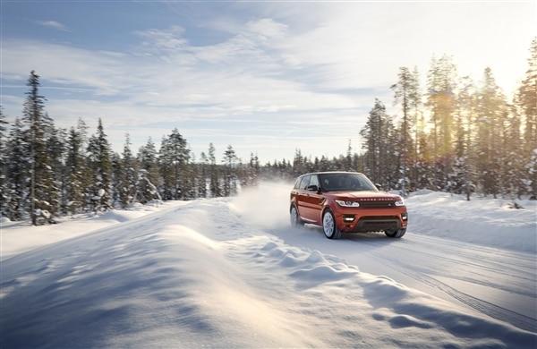 Revealed: 2014 Land Rover Range Rover Sport - New York 2013 59
