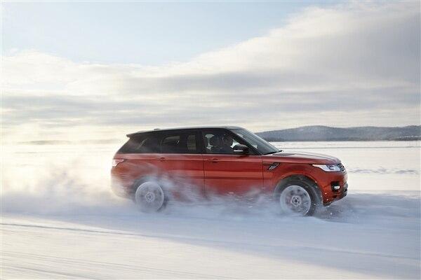 Revealed: 2014 Land Rover Range Rover Sport - New York 2013 68