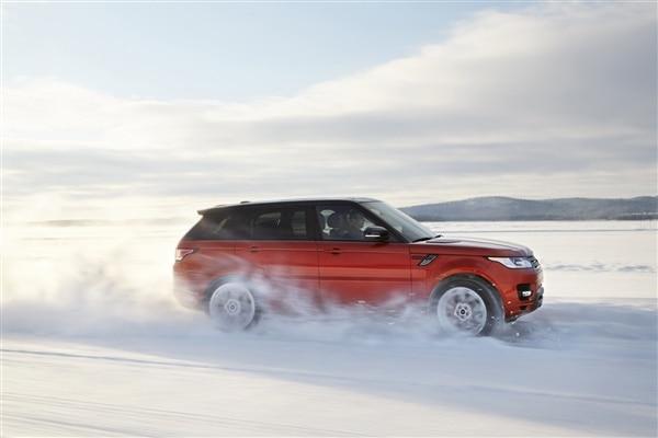 Revealed: 2014 Land Rover Range Rover Sport - New York 2013 70