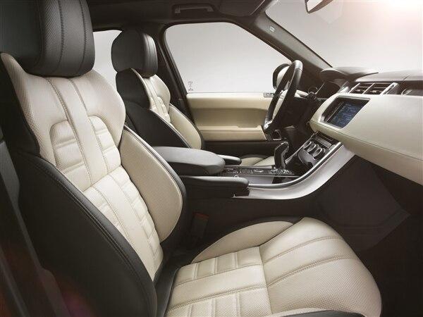 Revealed: 2014 Land Rover Range Rover Sport - New York 2013 26