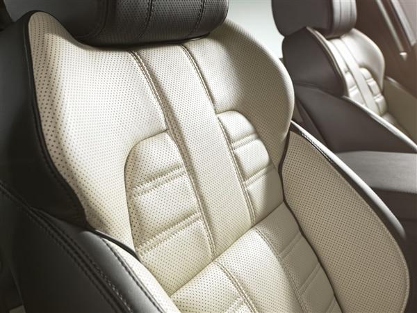 Revealed: 2014 Land Rover Range Rover Sport - New York 2013 29