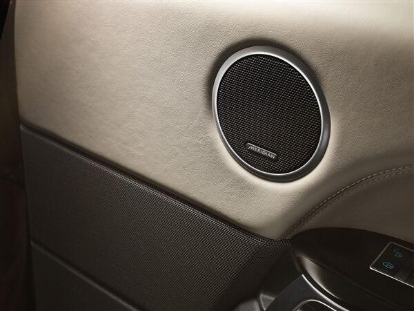 Revealed: 2014 Land Rover Range Rover Sport - New York 2013 31