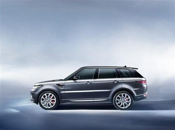 Revealed: 2014 Land Rover Range Rover Sport - New York 2013 20