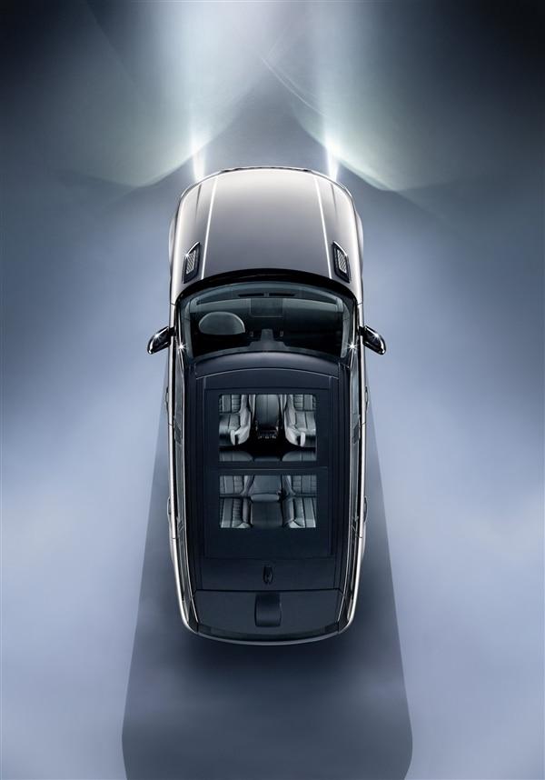 Revealed: 2014 Land Rover Range Rover Sport - New York 2013 24