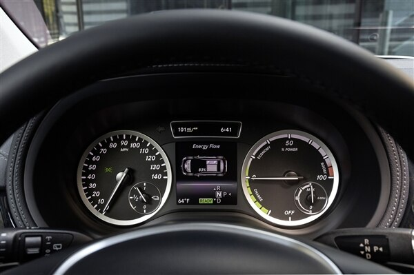 2014-b-class-electric-drive_-(9)-600-001