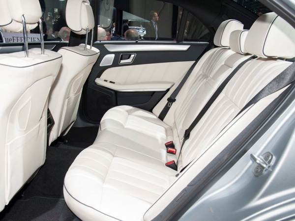 2014-mercedes-benz-e-class-(4)-600-002