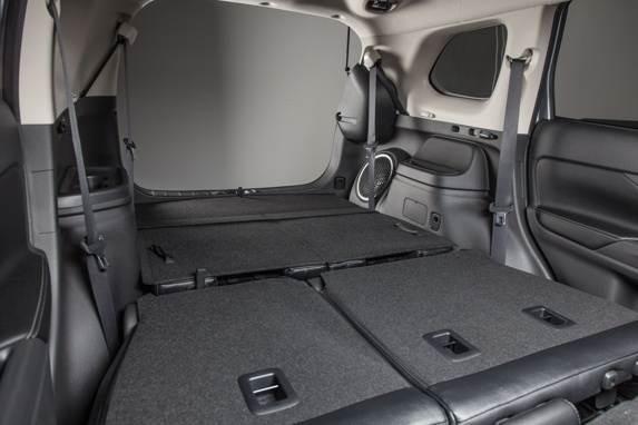 2014-outlander-fold-flat-cargo-600-001