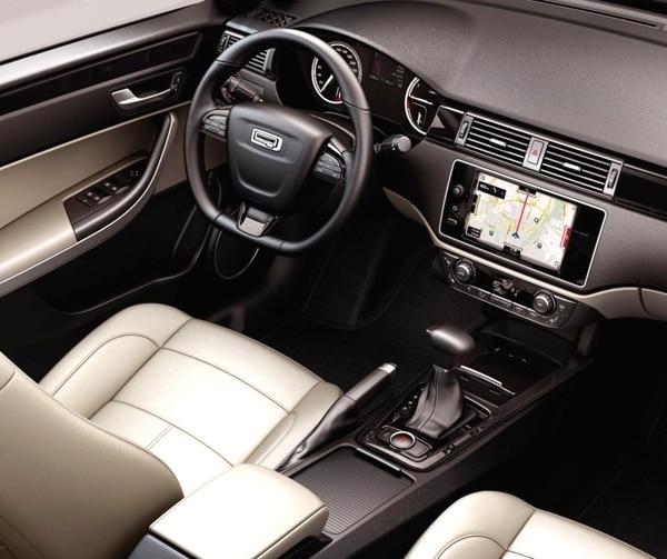 2014-qoros-3-sedan-front-dash-detail-600-001