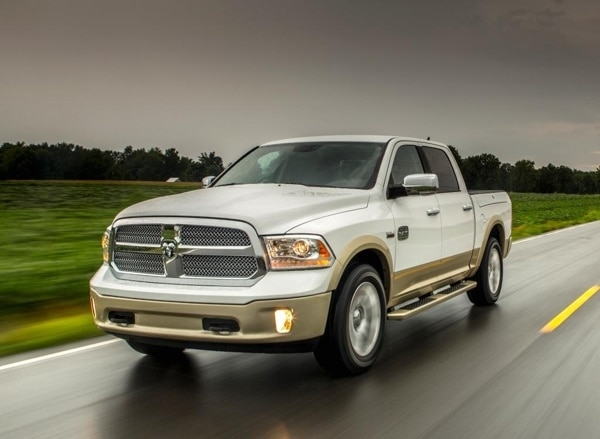 2013-ram-1500-front-action-600-001