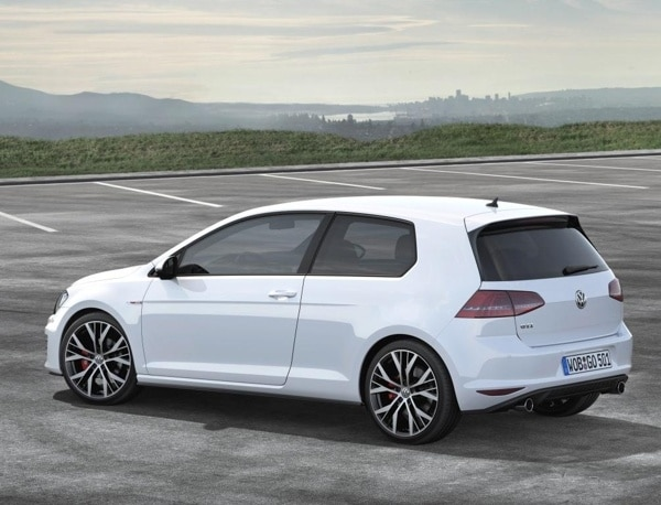 2014-volkswagen-golf-gti-rear-static-600-001