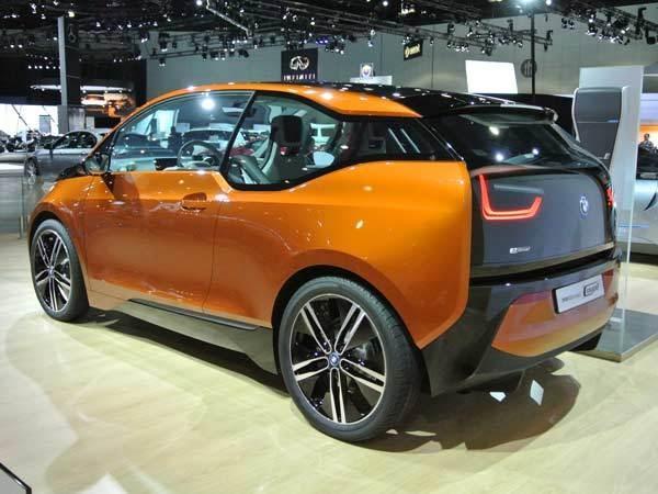bmw-i3-show-rear-concept-600-600-001