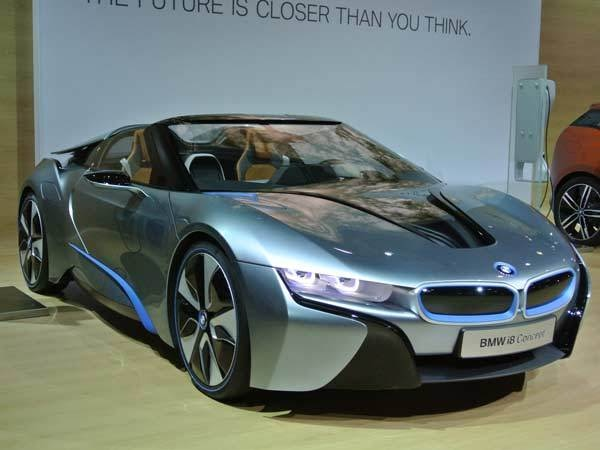 bmw-i8-front-show-600-001