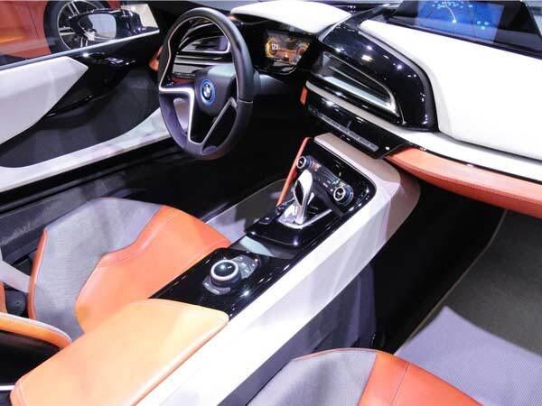 bmw-i8-interior-600-001