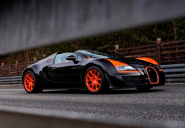 bugatti veyron grand sport vitesse is world 39 s fastest. Black Bedroom Furniture Sets. Home Design Ideas