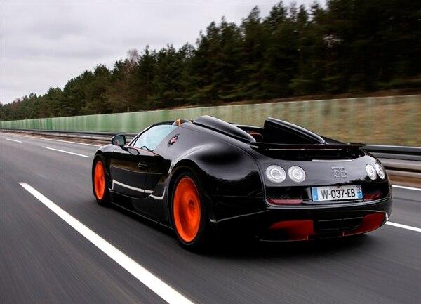 bugatti-164-veyron-grand-sport-vitesse-rear-pan-action1-600-001