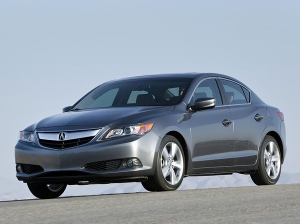 2013-acura-ilx-2.0-front-action-600-001