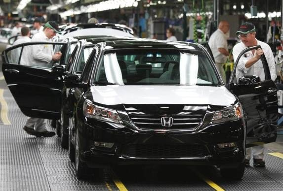 honda-30th-anniversary-in-us-2013-accord-off-the-line-600-001