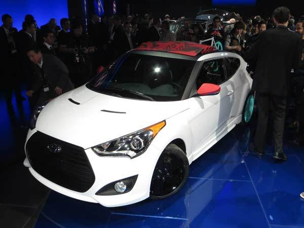 veloster-c3-show-600-001