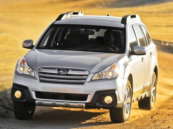 2013-subaru-outback-front-action-600-001