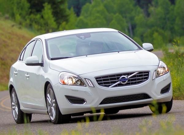 2013-volvo-s60-front-static-600-001