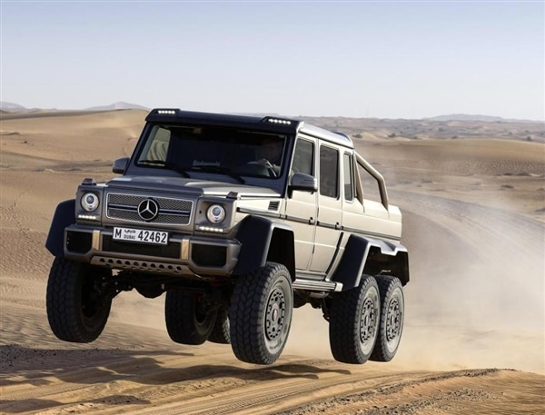 m-b-663-amg-6x6-front-action-gray-airborne-600-001