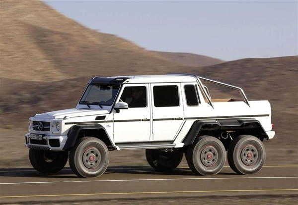 Mercedes benz g63 amg 6x6 is the ultimate off road rager for Mercedes benz g63 6x6 amg