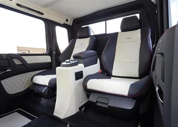 m-b-g63-amg-6x6-rear-seat-600-001