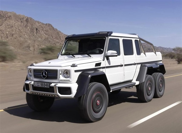 mercedes benz g63 amg 6x6 is the ultimate off road rager. Black Bedroom Furniture Sets. Home Design Ideas