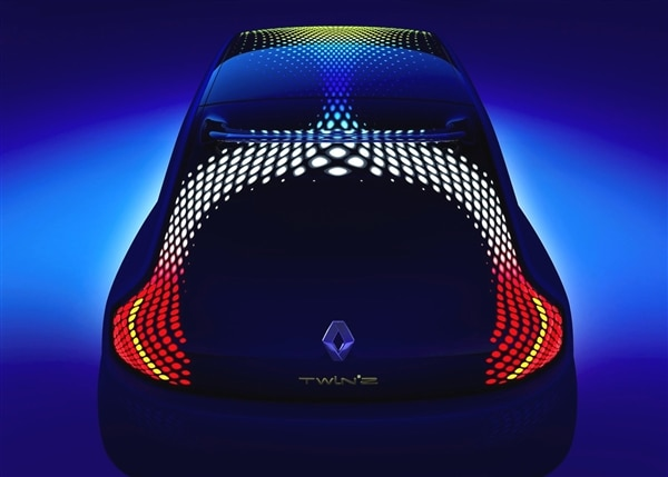 renault-twinz-concept-rear-static-high-with-lights-600-002