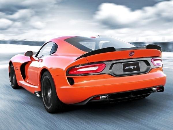 2014-srt-viper-ta-rear-action-600-001