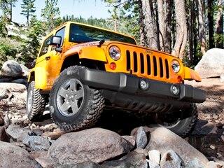 10 Best SUVs Under $25,000 - 2013 - 2013 Jeep Wrangler