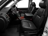 2013 Chevrolet Suburban 2500 Front seats from Drivers Side