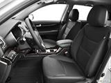 2014 Kia Sorento Front seats from Drivers Side